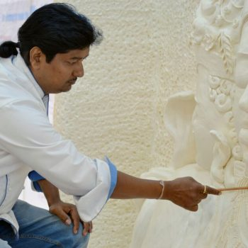 "Chef Devwrat carving ""Trimurti"" at Guinness Book of Records"